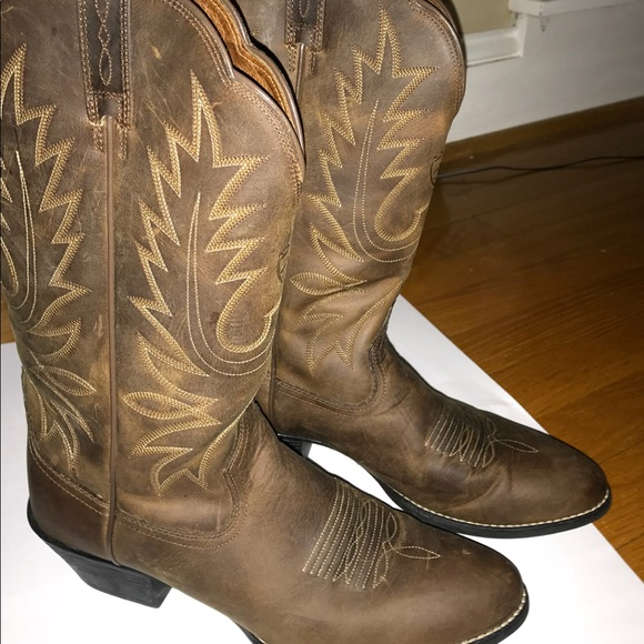 177eab1a6a Ariat Women's Heritage R-Toe Western boot
